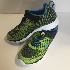 3/$20 💞 New Athletech Kids Size 3 Sneakers